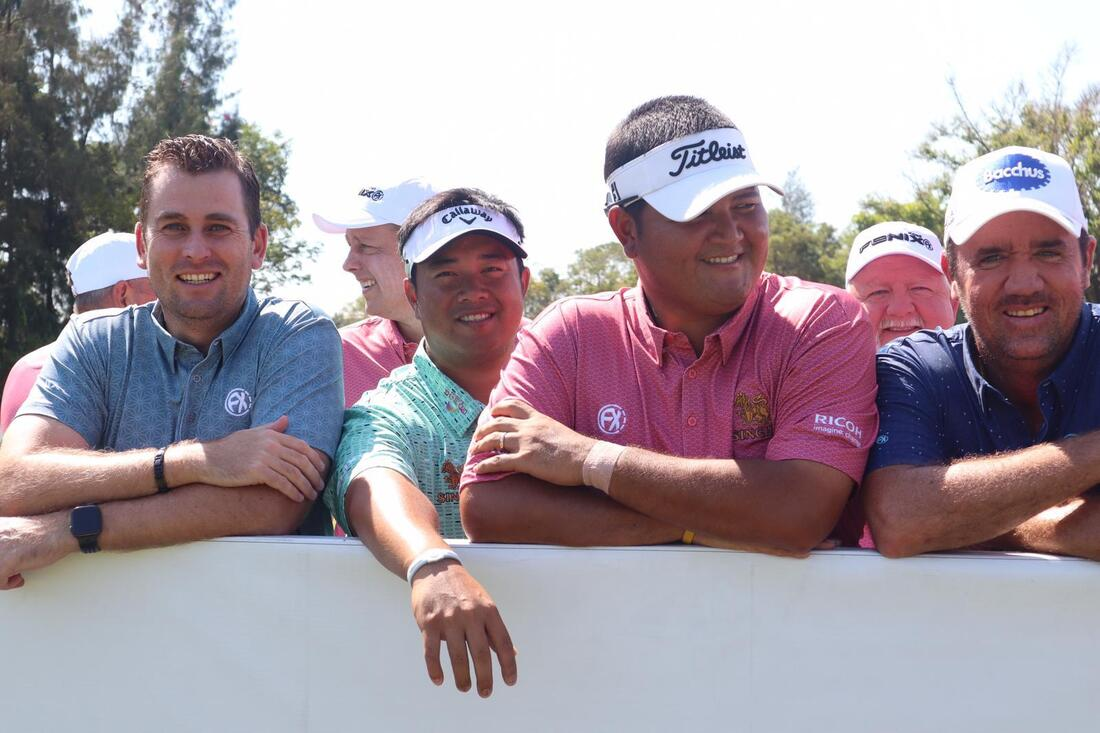 Mike with Scott Hend, Kiradech and Prom